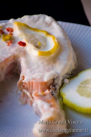 Salmone in salsa di cocco e lime