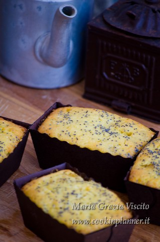 Cupcake  pesche e semi di papavero