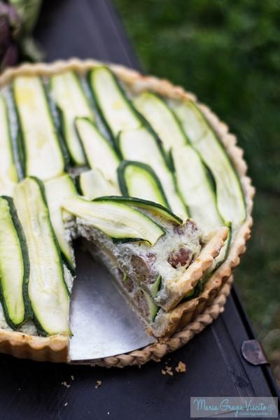 Torta salata agnello, carciofi e menta